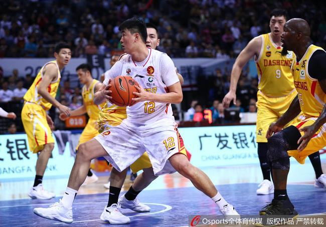 17-18赛季CBA联赛 山东 106-99 深圳_直播间_手机新浪网