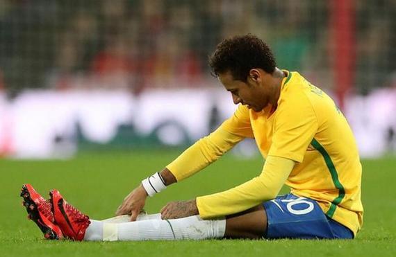 英格兰0-0巴西