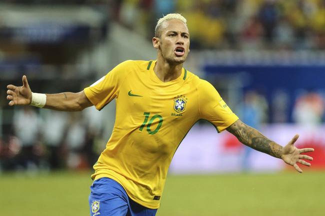 内马尔获得了与在巴西队类似的地位