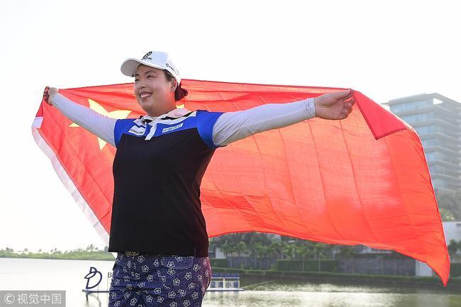 冯珊珊上周在祖国问鼎世界第一