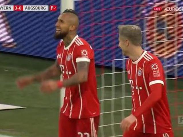莱万双响拜仁3-0奥格斯堡