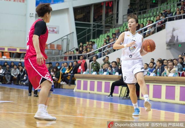 广东女篮5分险胜新疆女篮 迎来主场两连胜