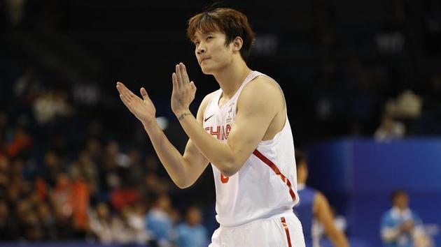 男篮世预赛-红队52分大胜中国香港