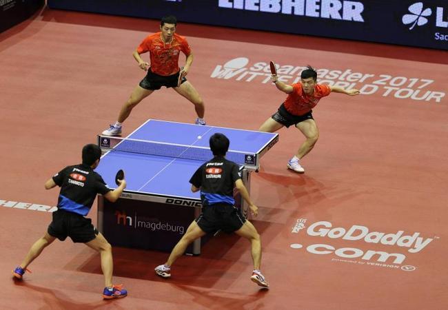 2017年11月10日,德国,2017德国乒乓球公开赛男双赛况。