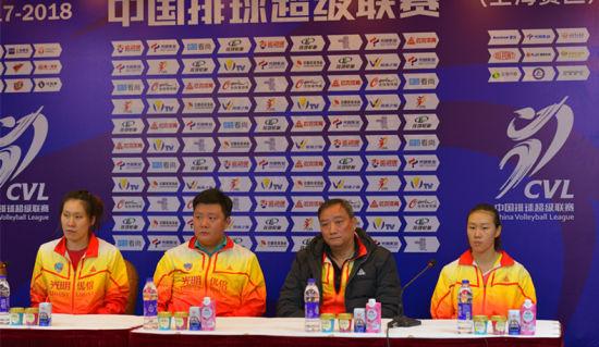 上海女排老将场上有拼劲 吴胜:比赛输在自身