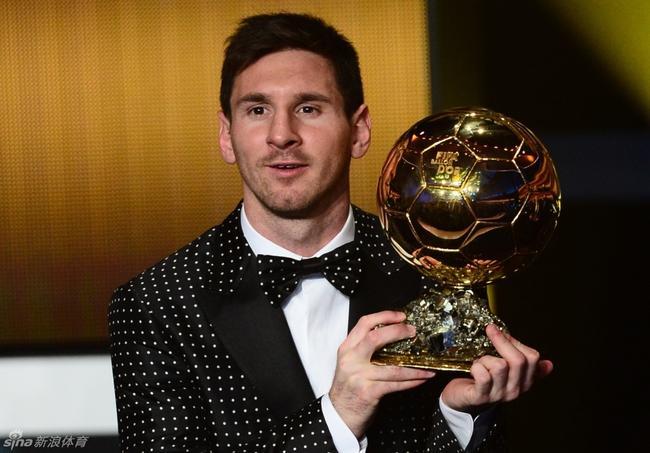 梅西夺得金球奖时在团队荣誉和个人数据上都非常出色