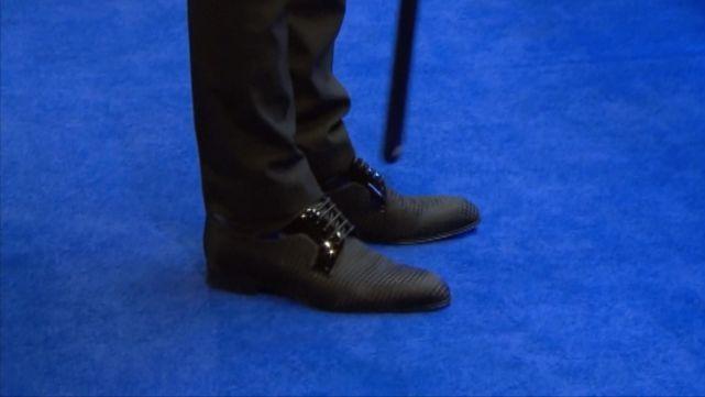 特鲁姆普慈善拍卖战靴 曾穿它夺世锦赛等多个冠军