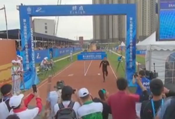 超越自己 潘玉程打破军事五项男子障碍跑世界纪录