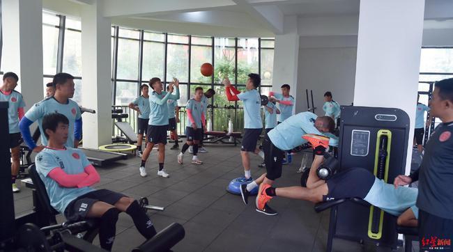 球队五一节期间仍在训练备战