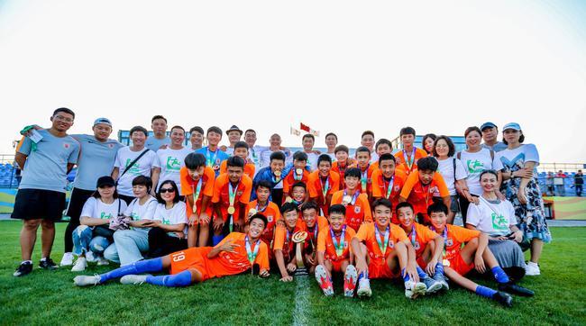 学校U14红队获得冠军