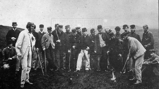 1867年利斯锦标赛中的威利·邓恩(左8,扛球杆者)