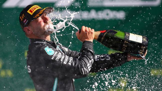 靠谱的体育老平台推荐-F1|梅赛德斯继续使用黑色赛服博塔斯提议无果