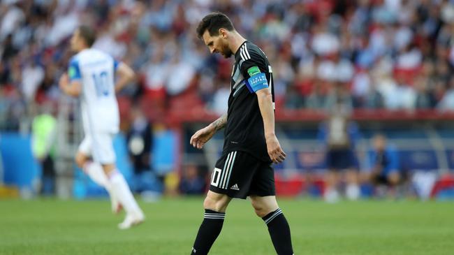 世界杯-梅西罚丢点球 阿根廷1比1憾平冰岛
