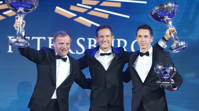 奥吉尔蝉联年度车手总冠军