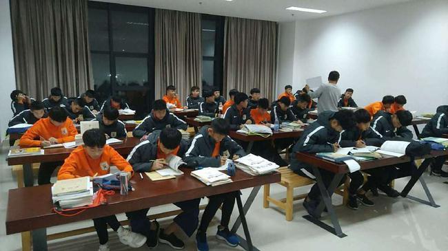 鲁能多名U19队员选择参加高考 一直学习文化课