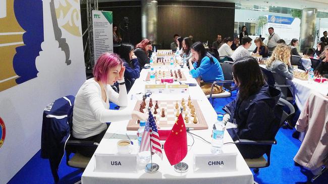 中国女队对阵美国女队