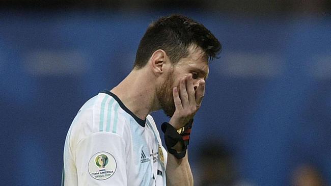 梅西率领的阿根廷有被逼到了悬崖边上
