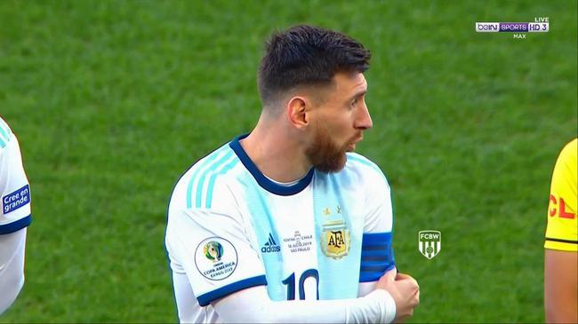 梅西被红牌罚下