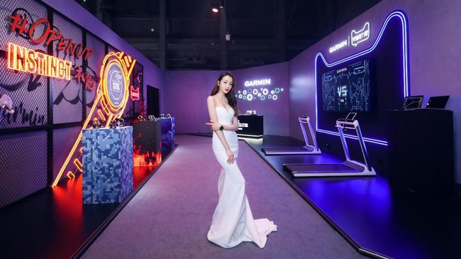 迪丽热巴列席2019GARMIN佳明北京智能手表新品公布会