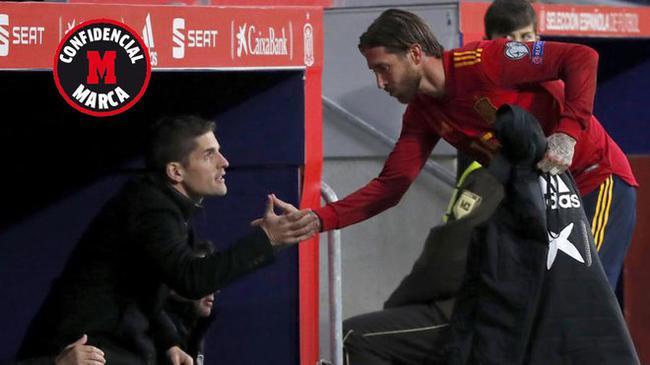西班牙主帅含泪向球员告别 明天将正式宣布辞职
