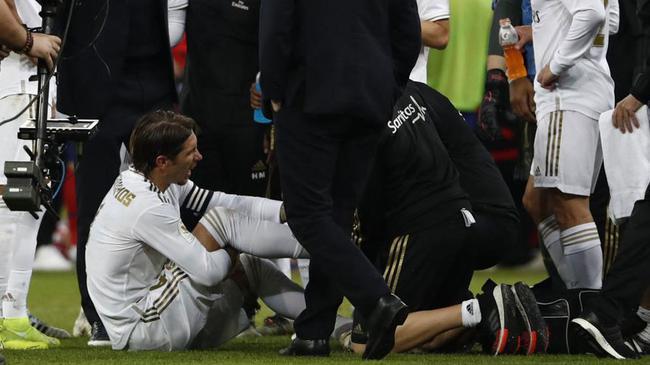 拉莫斯受伤