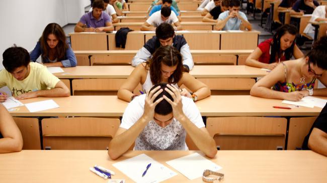 平时做题和考试是两种情形