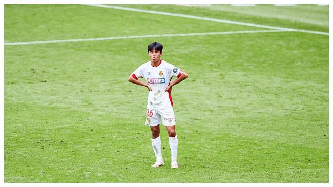 皇马日本天才:我喜欢盘带一对一 在球场从不畏惧