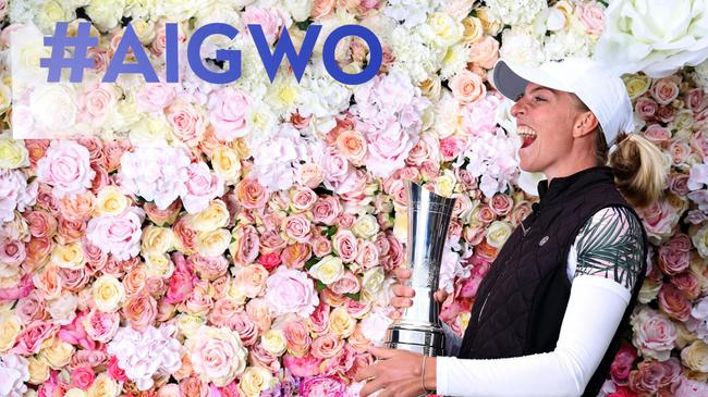 英国女子公开赛波波夫爆冷领先2杆夺冠 阎菁T32