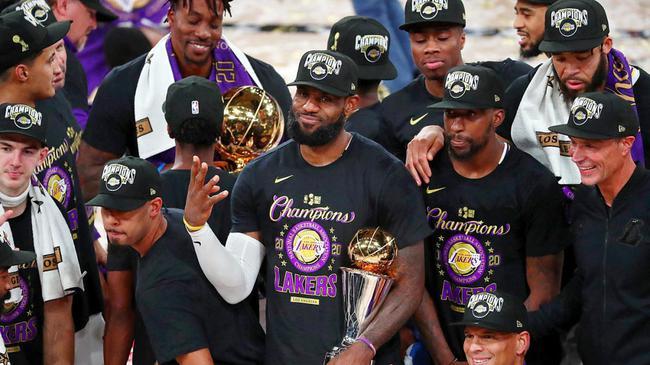十个关键词回顾篮球圈的2020!半年告别6大名宿