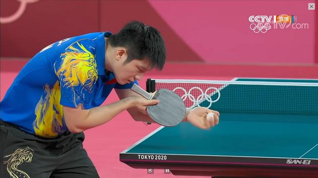 樊振東在比賽中