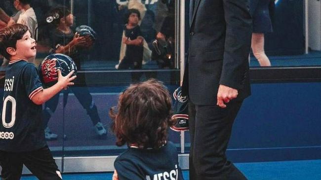 【博狗体育】让孩子继承自己事业!梅西让两儿子都进巴黎青训营