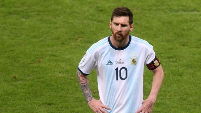 梅西的阿根廷为啥不如C罗的葡萄牙?他看的最透