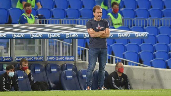 西甲队官方宣布主教练新冠阳性 本赛季带队获第十
