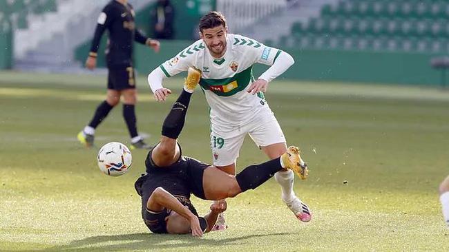 【博狗扑克】西甲-德容传射 梅西缺阵 巴萨2-0力夺客场5连胜