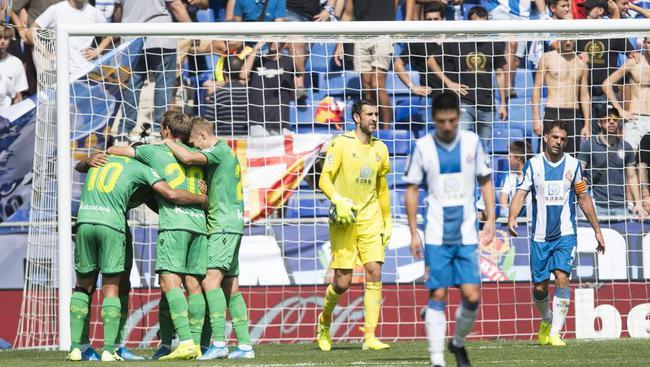 西班牙人遭到主场球迷嘘声