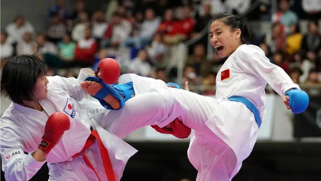 空手道一姐尹笑言 61公斤级领军人身份东京冲冠