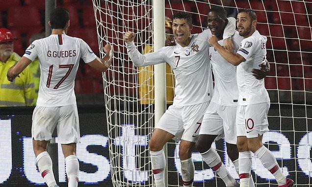 C罗进球,葡萄牙4-2始胜