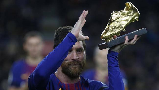 梅西將領取歐洲金靴獎
