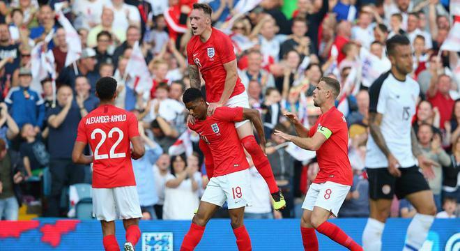 热身-拉什福德世界波 英格兰2-0胜