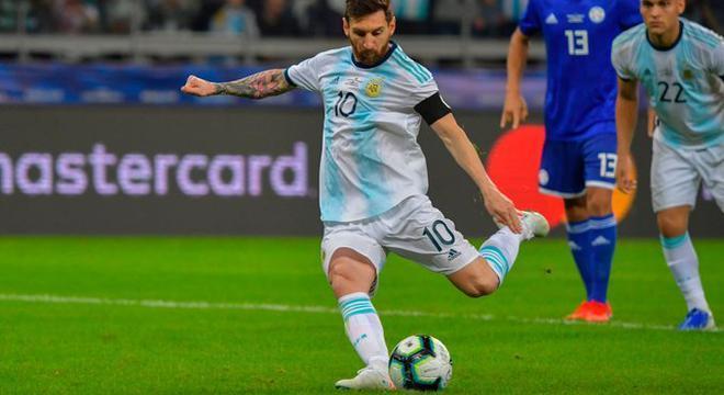 阿根廷遭阿媒集体炮轰:活受罪