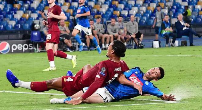 欧冠-范戴克送礼飞翼送点 利物浦0-2那不勒斯