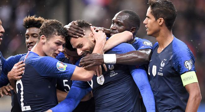 欧预-格子助攻吉鲁 恰神助攻扳平 法国1-1土耳其