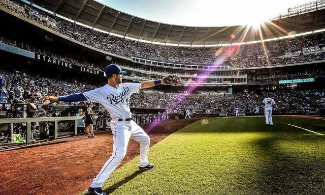 东京连续6天确诊过百 棒球足球联赛坚持放球迷入场