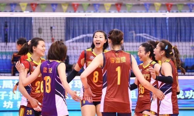 天津女排在比赛中