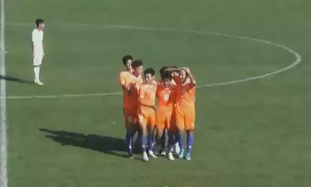 U19足协杯-张昊宇双响 鲁能足校4-1富力晋级四强