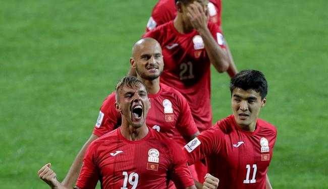 亚洲杯-卢克斯戴帽 吉尔吉斯斯坦3-1菲律宾获第3