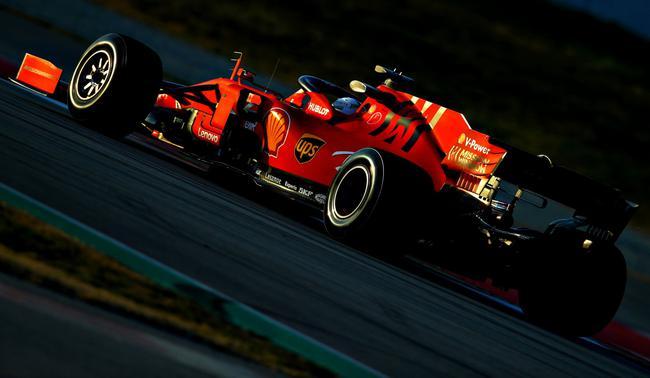 法拉利车队维特尔在试车中