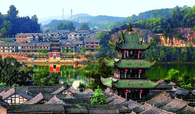 〈美丽阆中〉《遥望》(拍摄地:阆中古城) 胡桂明