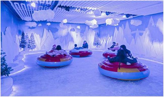 设计灵感源自北欧小镇,打造欧式梦幻冰雪舞台,同时引入专业的舞台剧