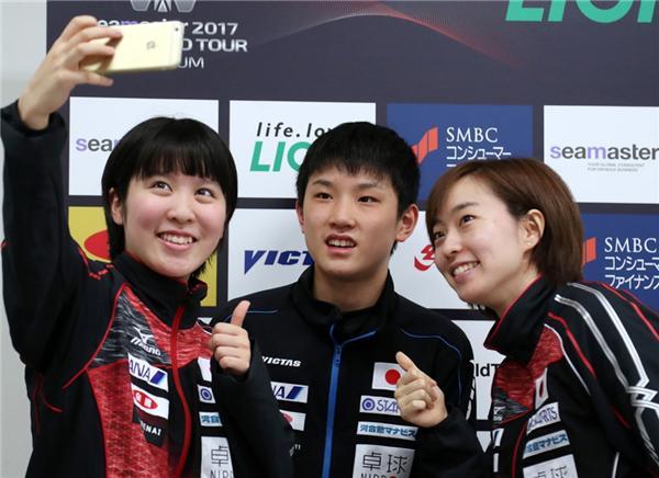 幼张本与平野美宇(左)、石川佳纯
